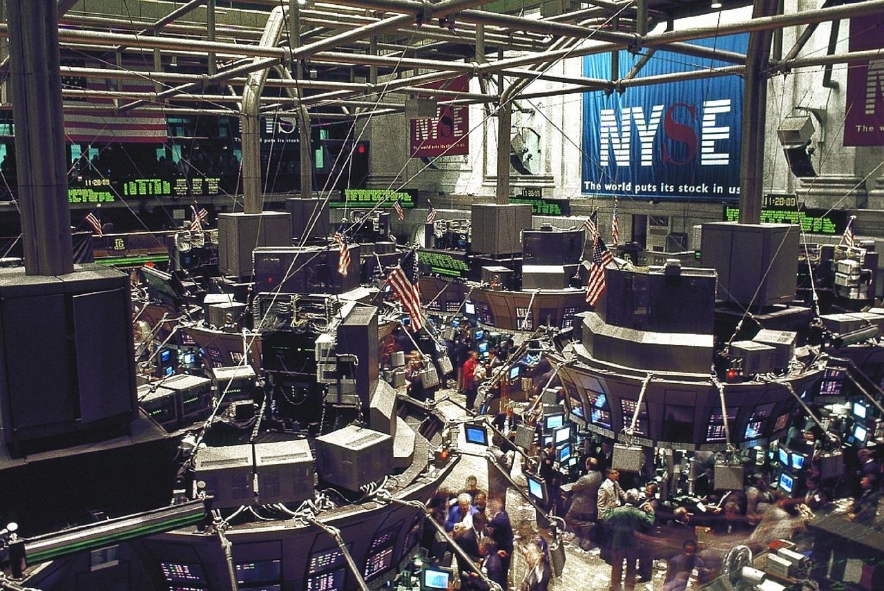 Akciové indexy v USA včera zavřely obchodování s velkými ztrátami