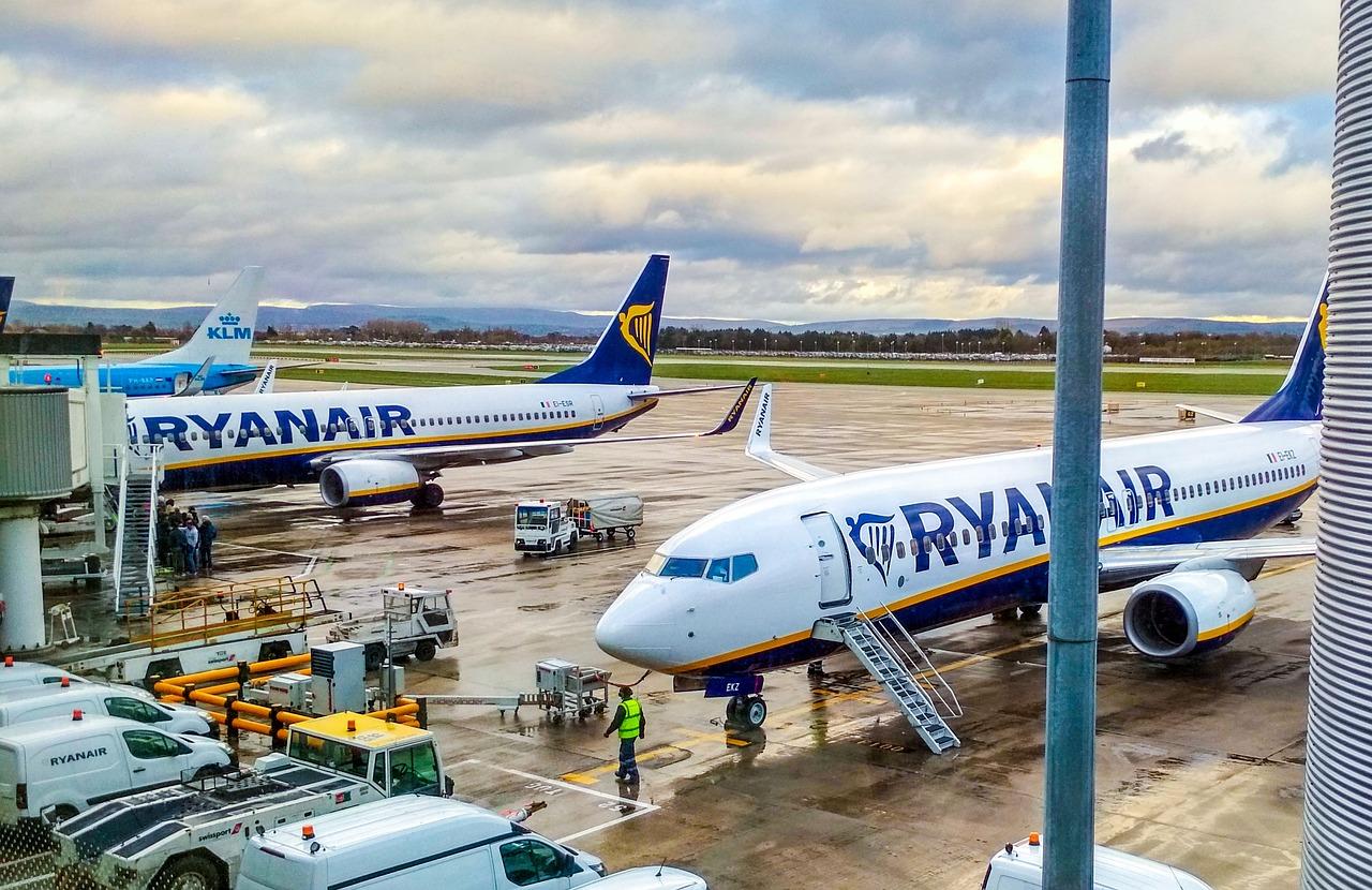 Ryanair vygeneroval za léto ztrátu 5,4 miliardy korun